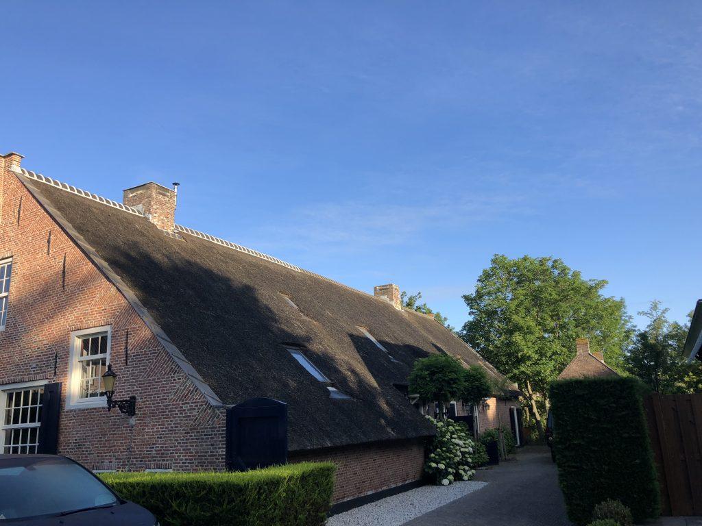 Onderhoud aan een rieten dak